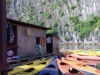 Kayaks in der Halong-Bucht